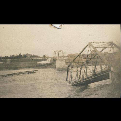 Victoria St. bridge after flood