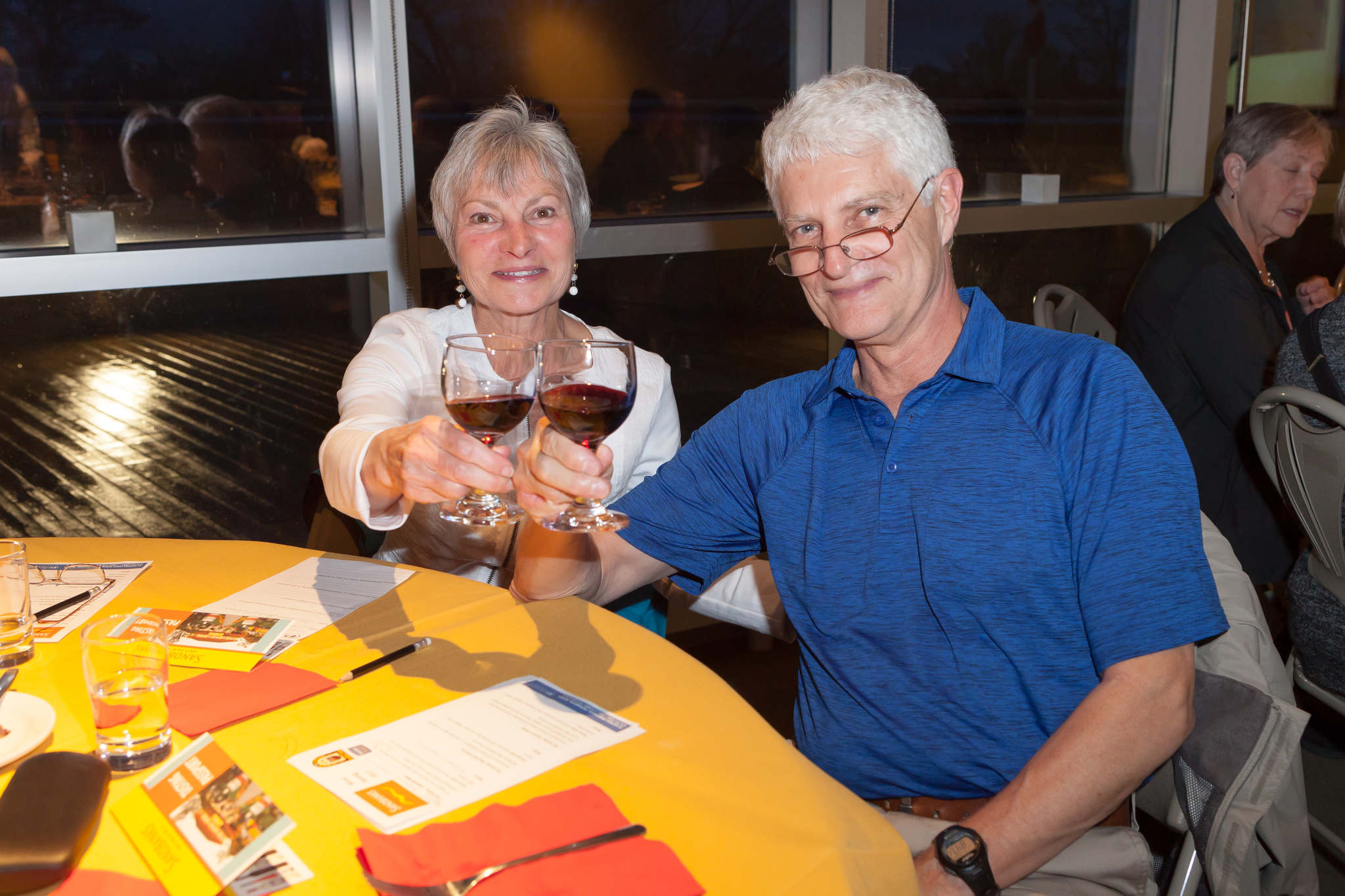 Image of a man and woman at a wine tasting